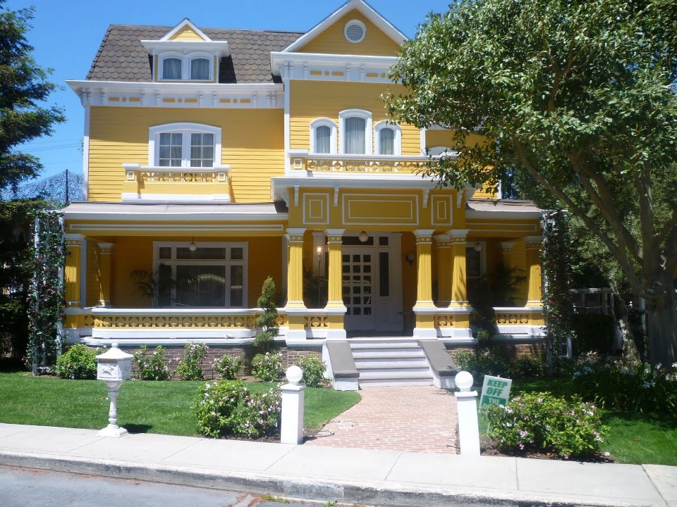 You tried? desperate housewives wisteria lane houses